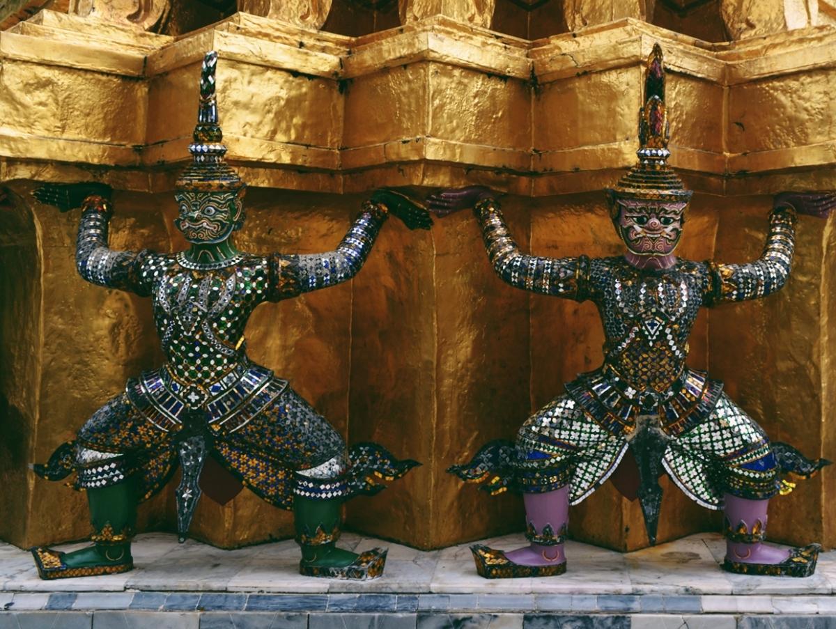 BANGKOK: THE METROPOLIS OF THE EAST